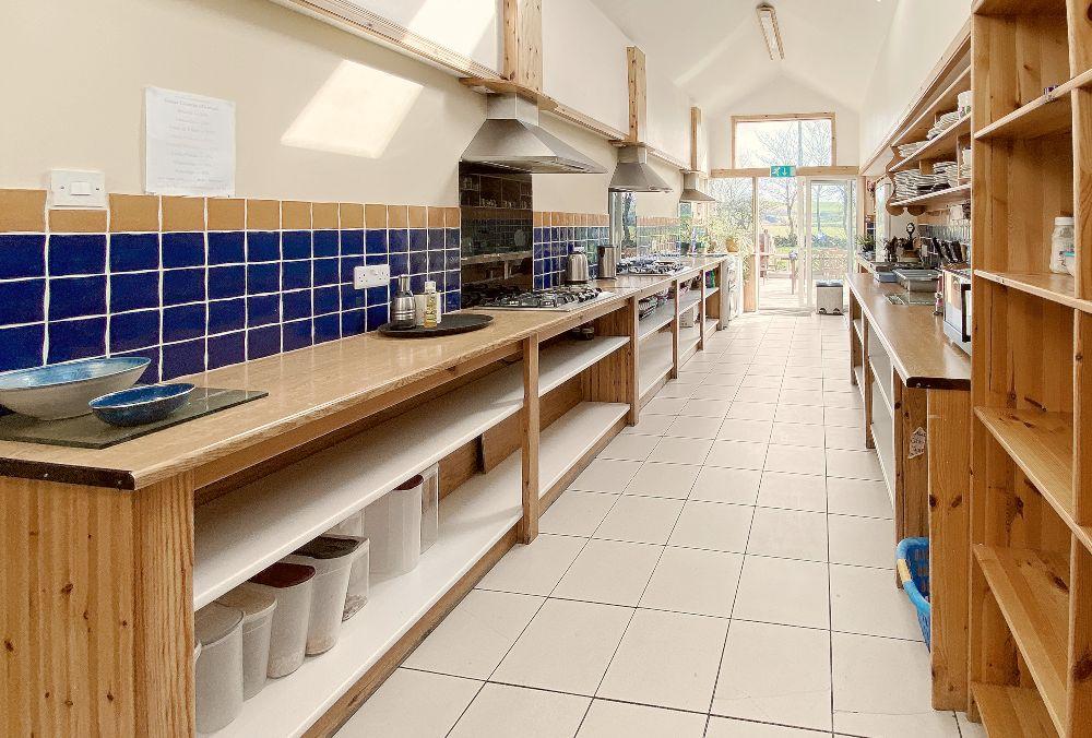 Rainbow Hostel Doolin Kitchen
